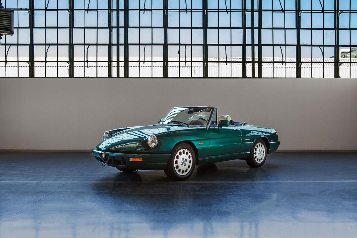 Fiat Chrysler Launches Classic Car Restoration Service At Retromobile
