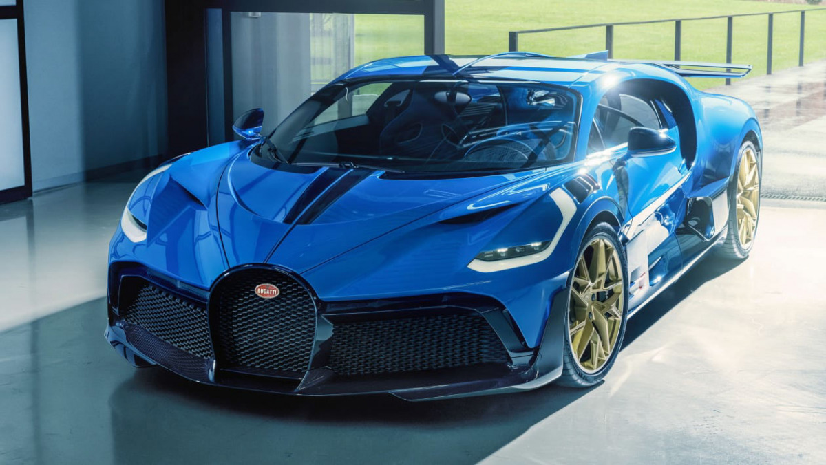 Final-Bugatti-Divo-1
