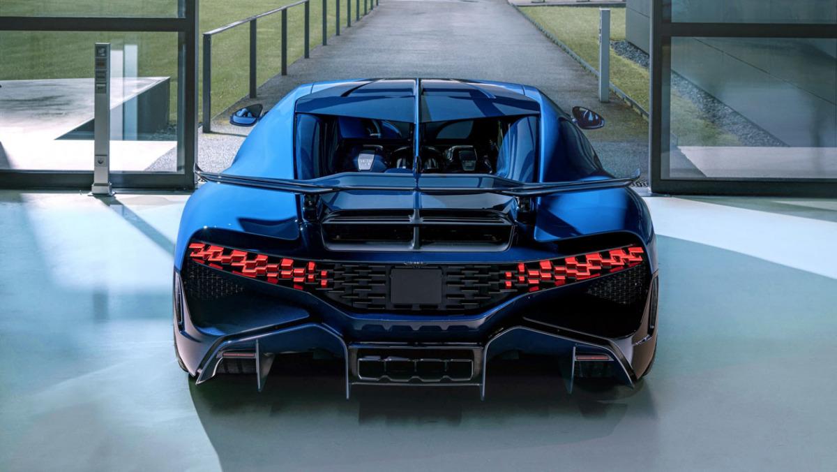 Final-Bugatti-Divo-4
