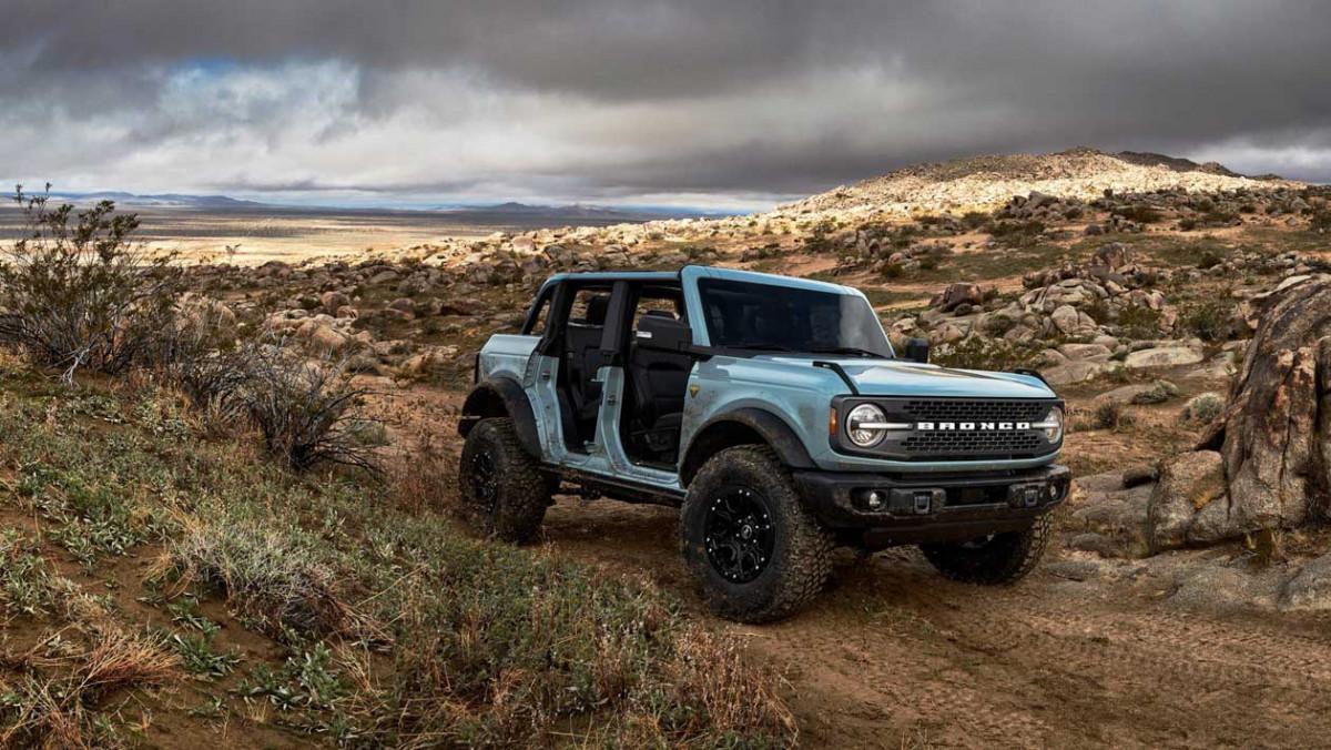 Ford-Bronco-Raptor-22