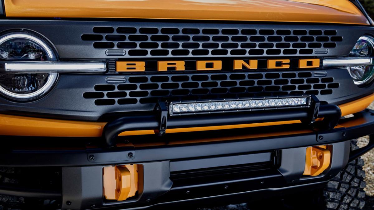 Ford-Bronco-Raptor-5