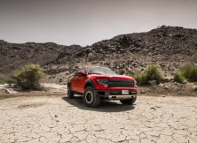 ford-f-150-svt-raptor-dubai-uae-002