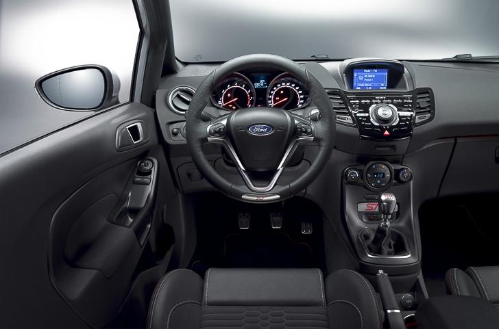 Ford Fiesta ST 200-6