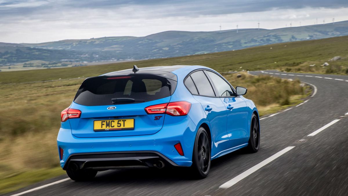 Ford-Focus-ST-Edition-2