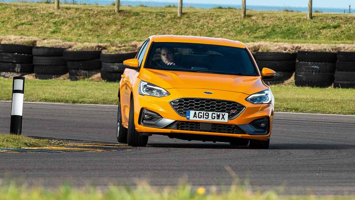Ford-Focus-ST-review-7