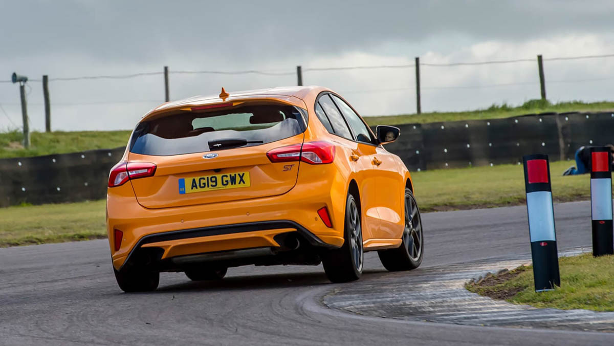 Ford-Focus-ST-review-2