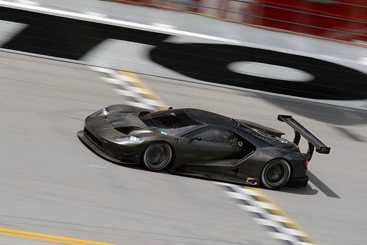 Ford GT at Daytona-10