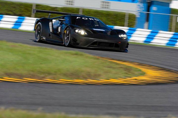 Ford GT at Daytona-11
