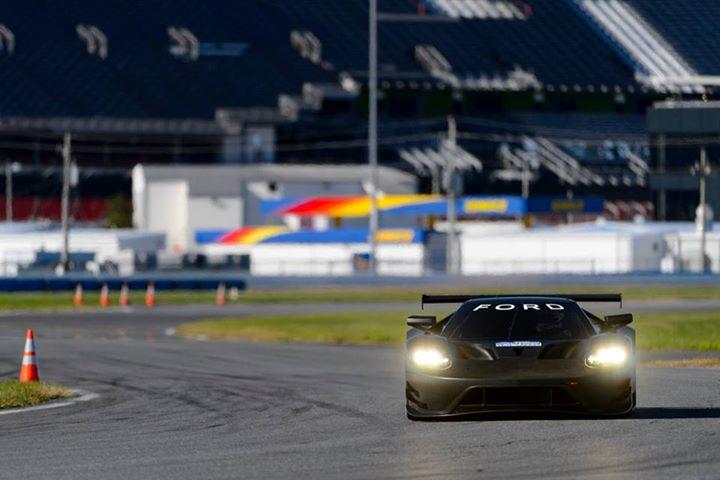 Ford GT at Daytona-12