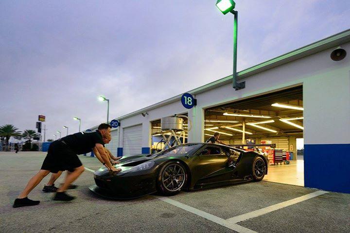 Ford GT at Daytona-4
