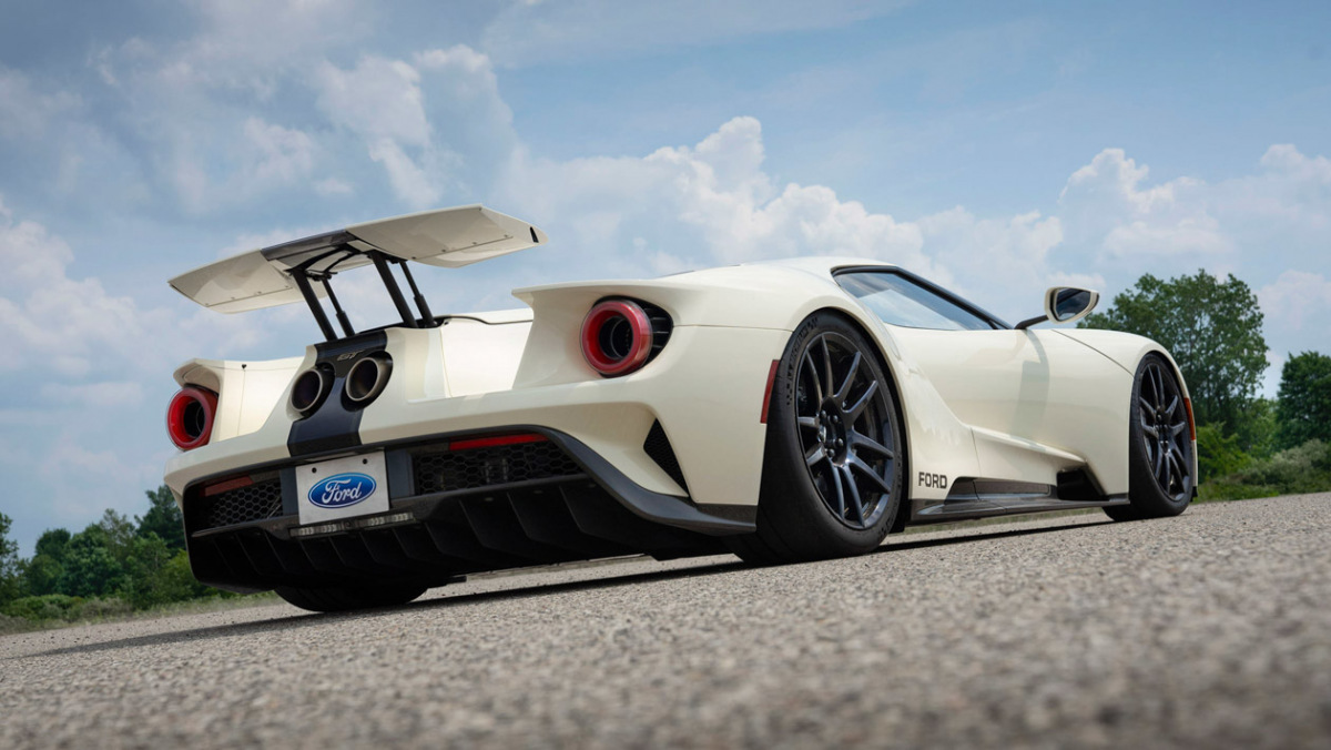 Ford-GT-Heritage-Edition-2