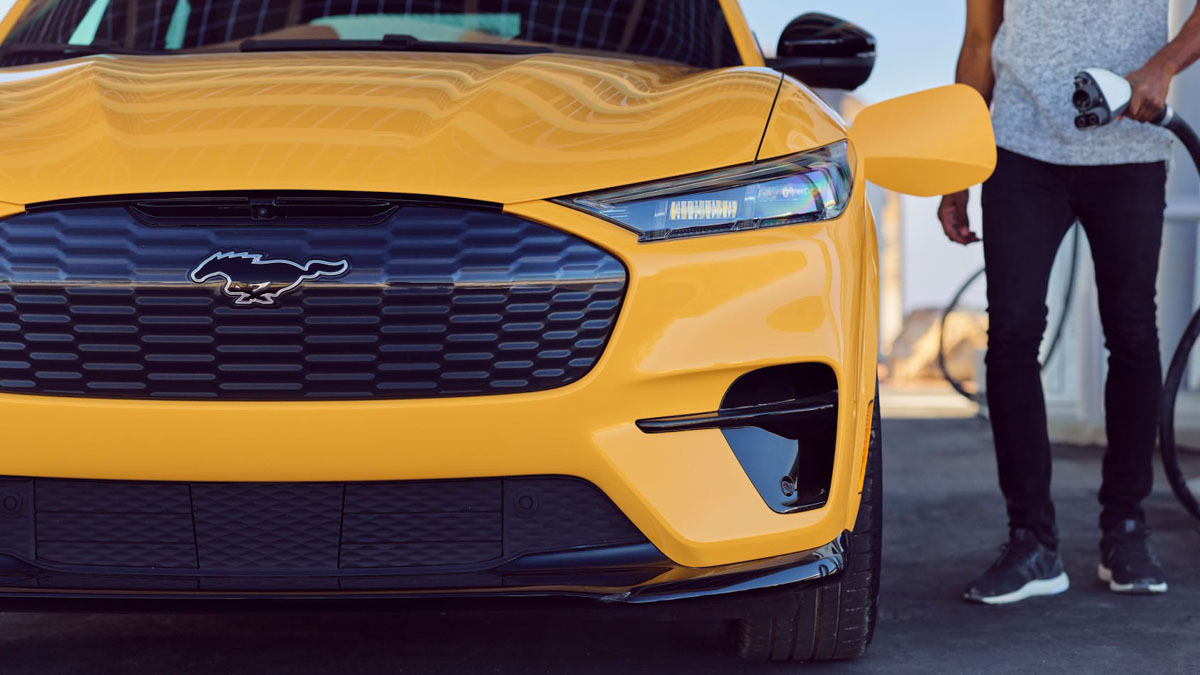 Ford-Mustang-Mach-E-GT-3