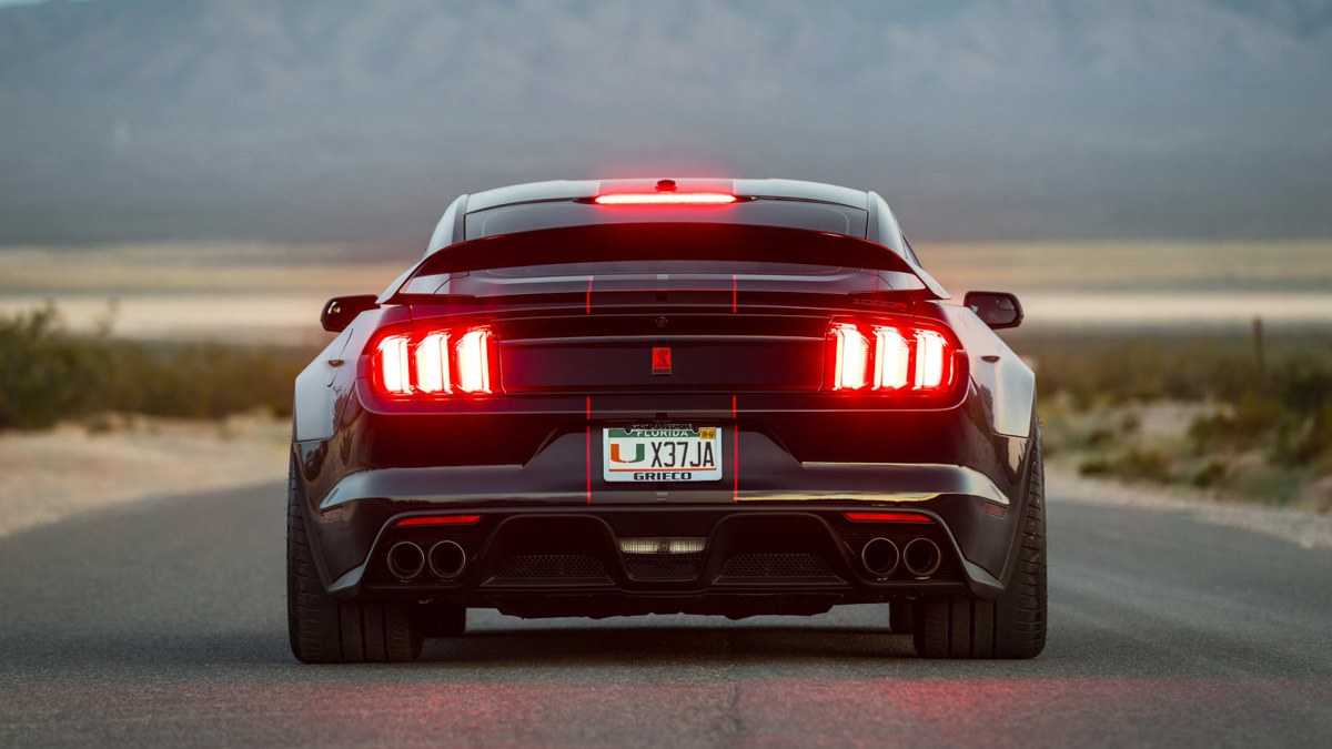 Ford-Mustang-Shelby-GT350-9