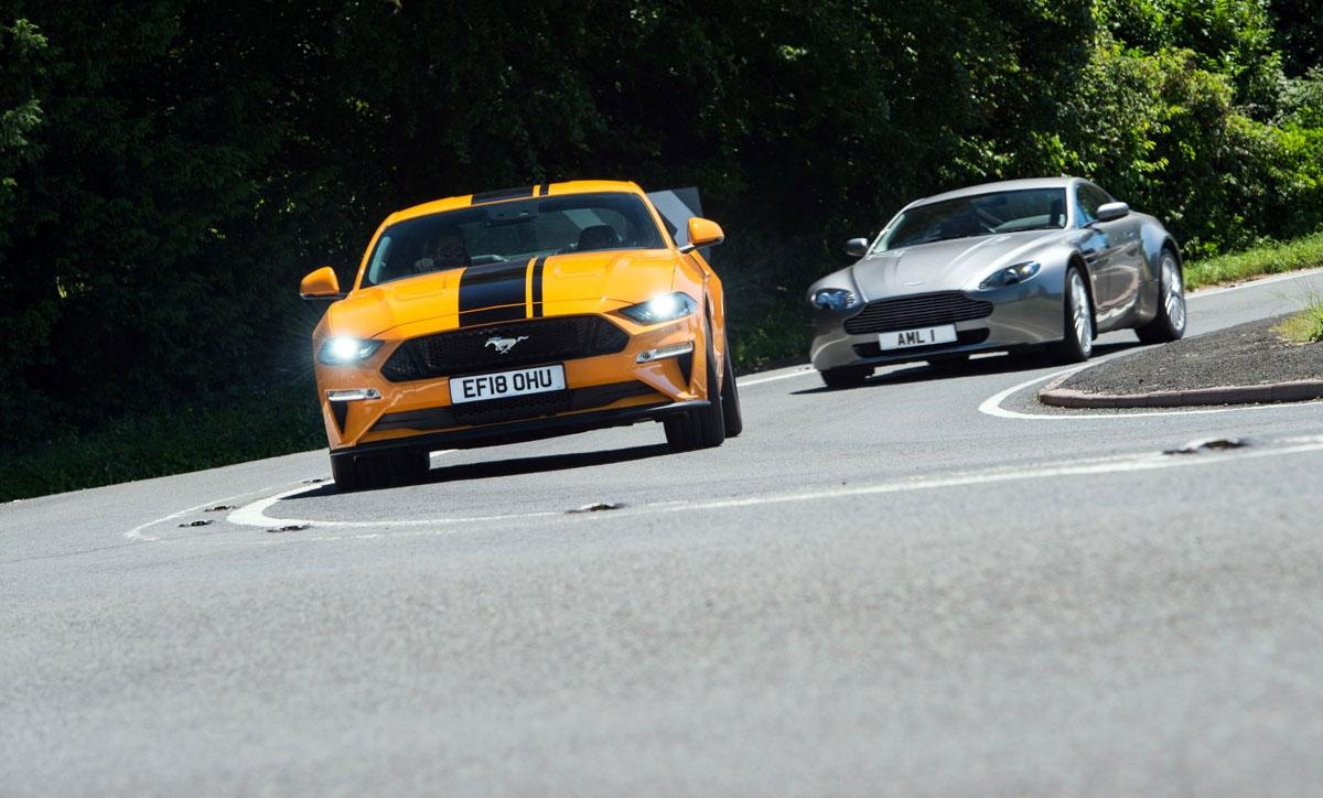 Ford-Mustang-V-Aston-Martin-1