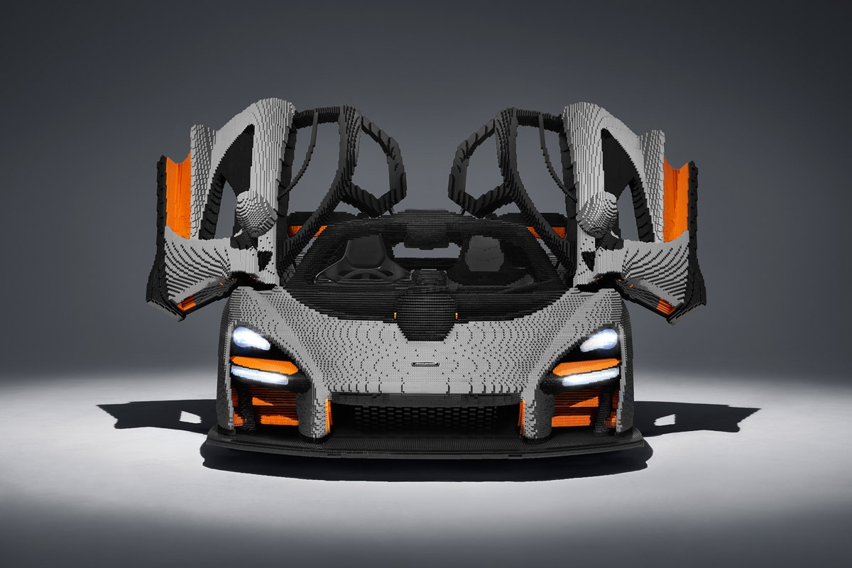Full-scale-McLaren-Senna-1