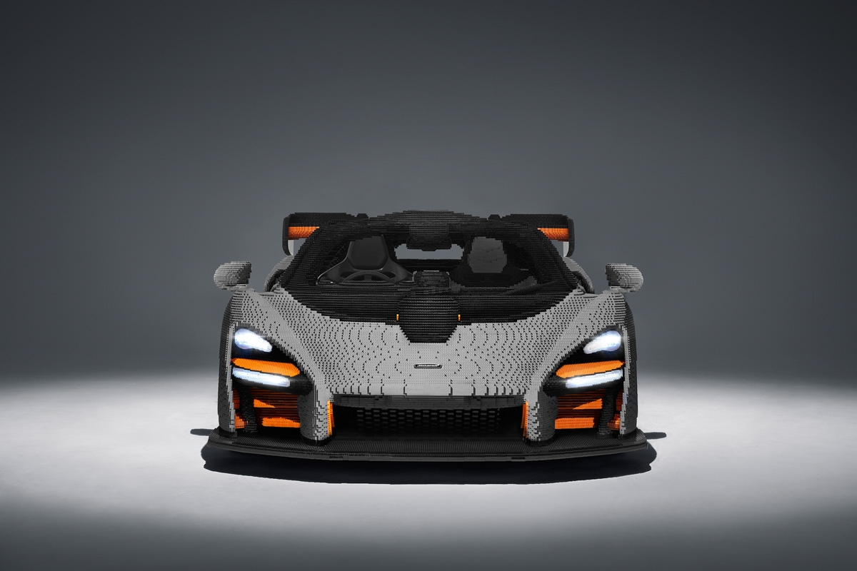 Full-scale-McLaren-Senna-2