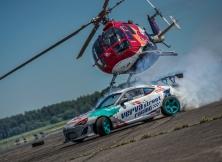 helicopter-vs-red-bull-drift-toyota-gt86-11