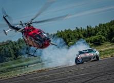 helicopter-vs-red-bull-drift-toyota-gt86-12