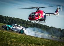 helicopter-vs-red-bull-drift-toyota-gt86-13