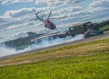 helicopter-vs-red-bull-drift-toyota-gt86-17