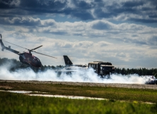 helicopter-vs-red-bull-drift-toyota-gt86-20