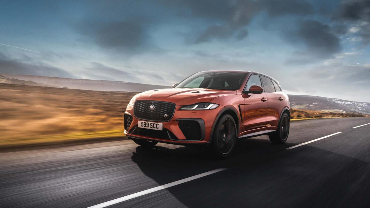 Jaguar-F-Pace-SVR-2021-8