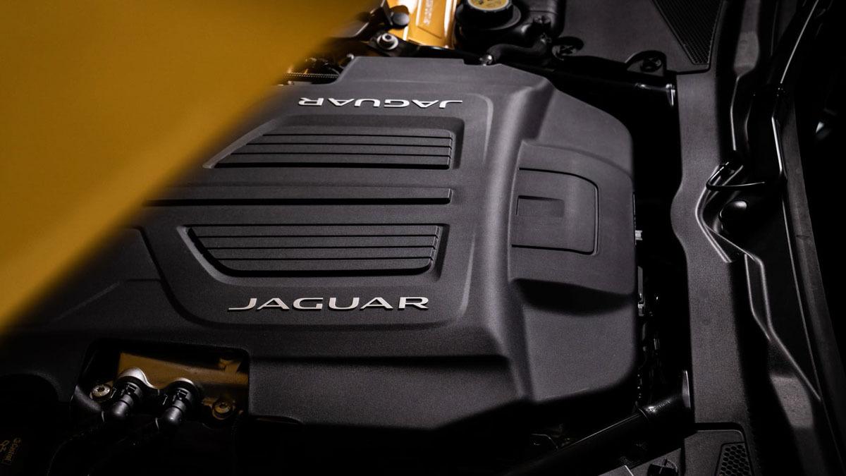Jaguar-F-type-R-2020-10