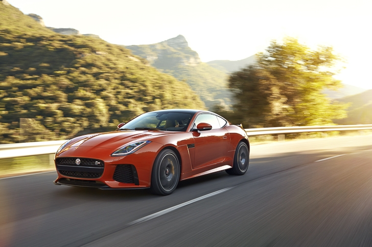 Jaguar F-TYPE SVR-17