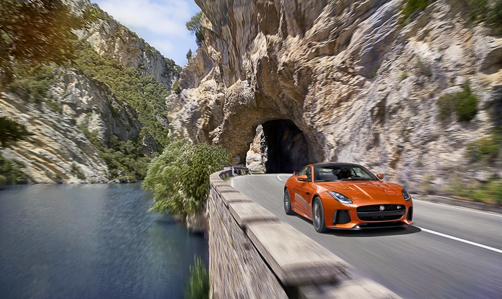 Jaguar F-TYPE SVR-51