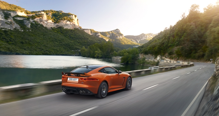 Jaguar F-TYPE SVR-52