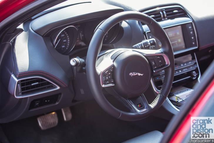 Jaguar XE S DRIVEN-15