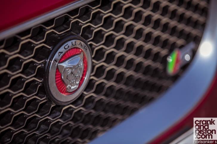 Jaguar XE S DRIVEN-8