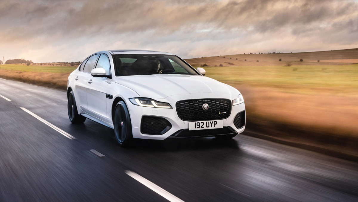 Jaguar-XF-review-12