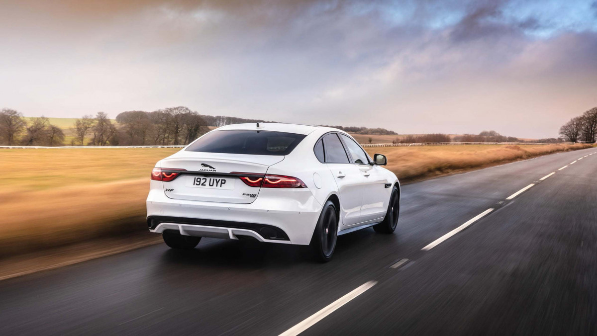 Jaguar-XF-review-3