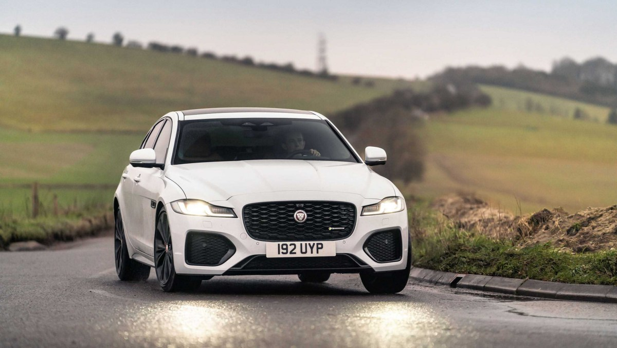 Jaguar-XF-review-6