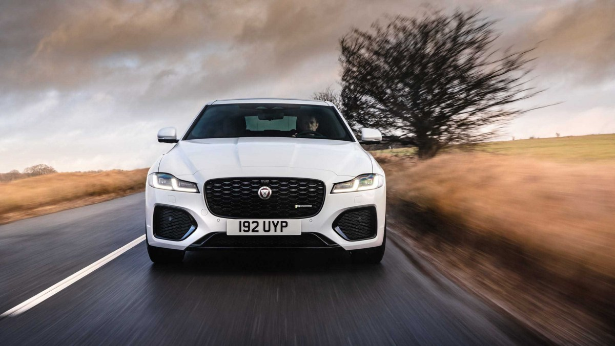 Jaguar-XF-review-8