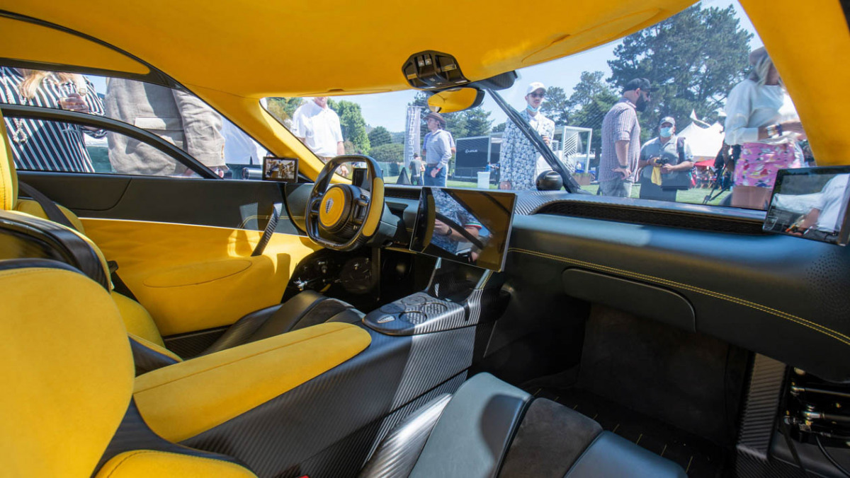 Koenigsegg-Gemera-four-2