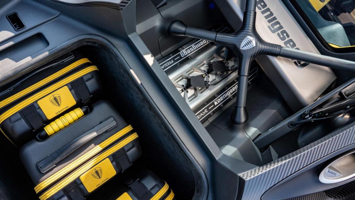 Koenigsegg-Gemera-four-6