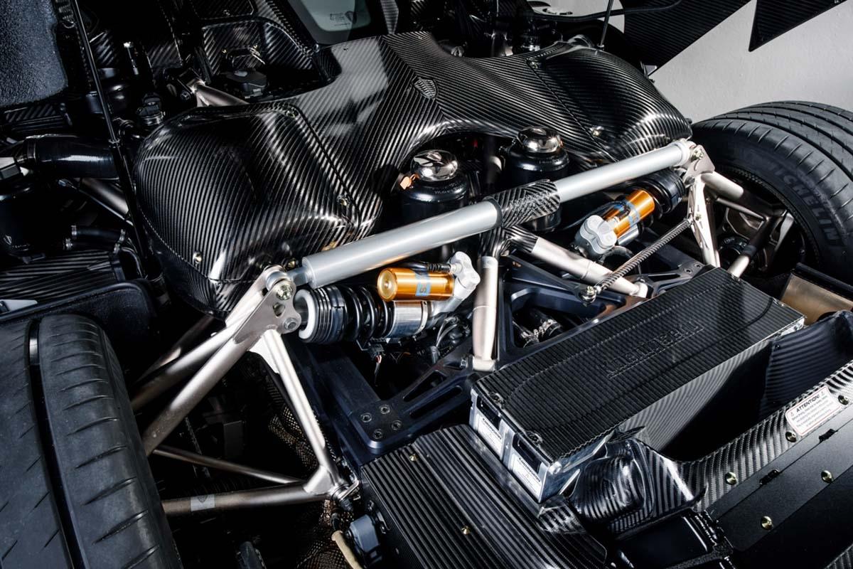 Koenigsegg Regera revealed with polished KNC-6