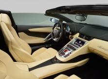 lamborghini-aventador-lp700-4-roadster-010