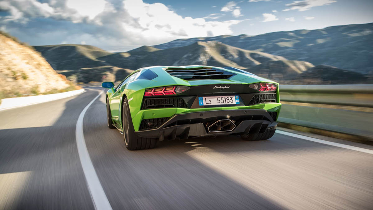Lamborghini-Aventador-S-10