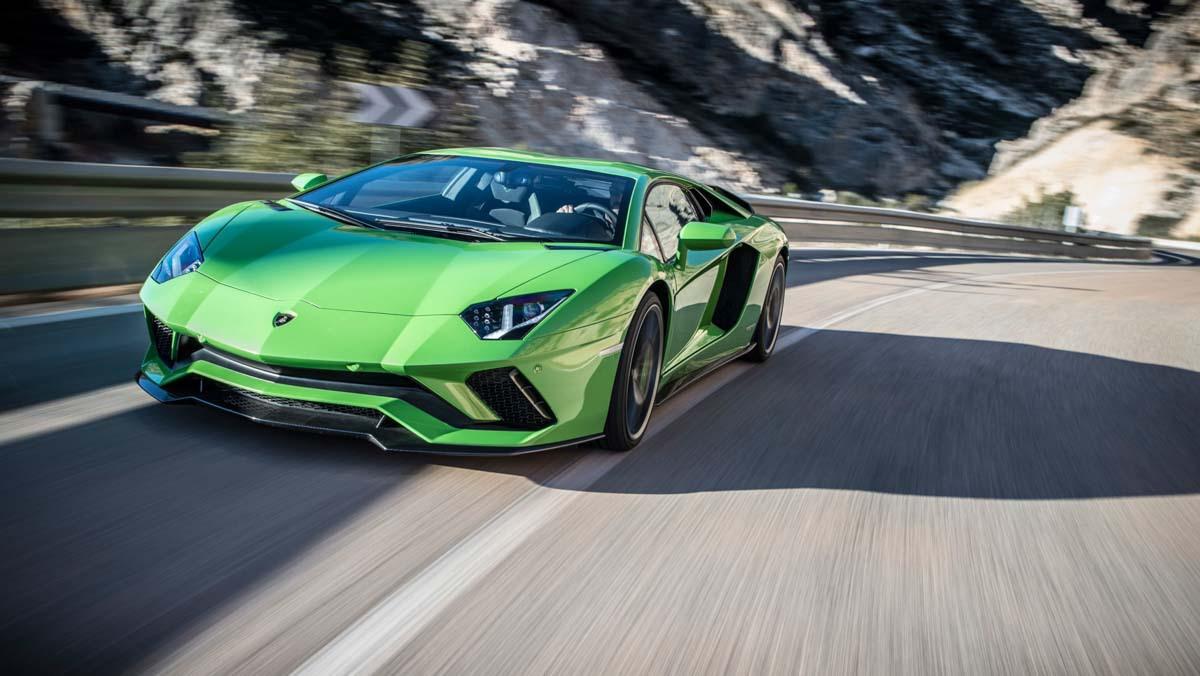 Lamborghini-Aventador-S-11