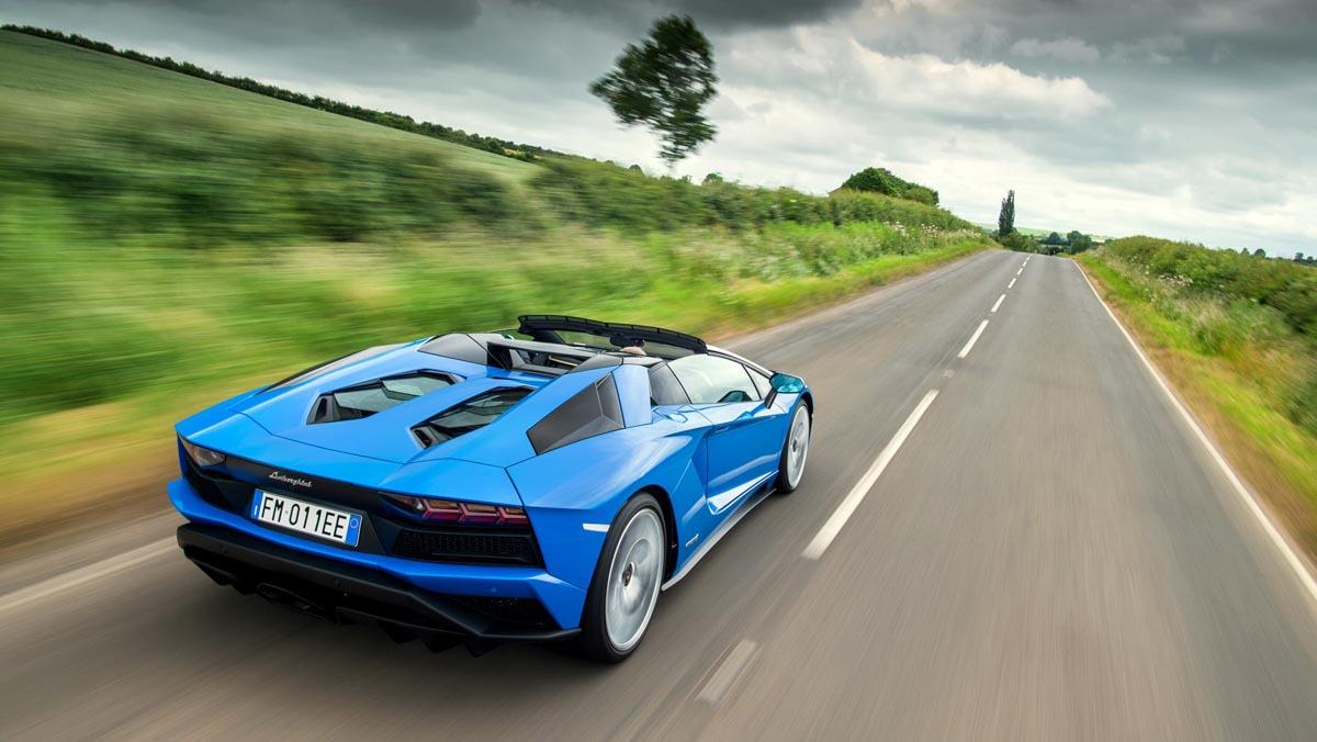 Lamborghini-Aventador-S-6