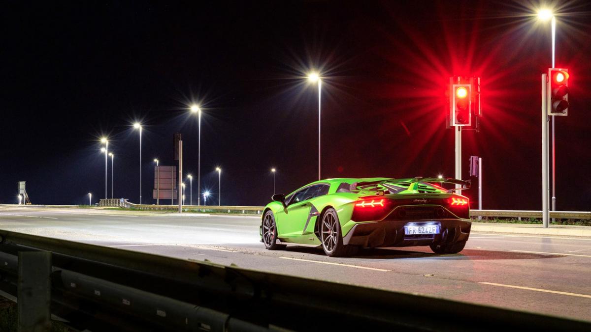 Lamborghini-Aventador-SVJ-2021-2