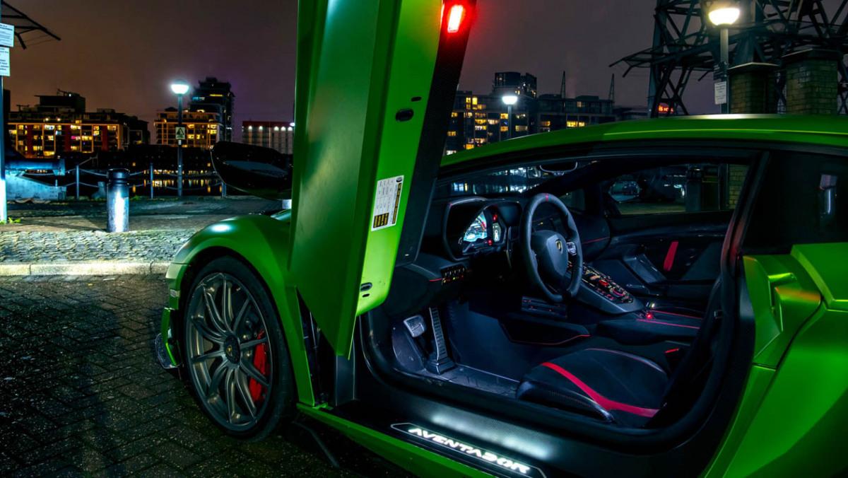 Lamborghini-Aventador-SVJ-2021-7