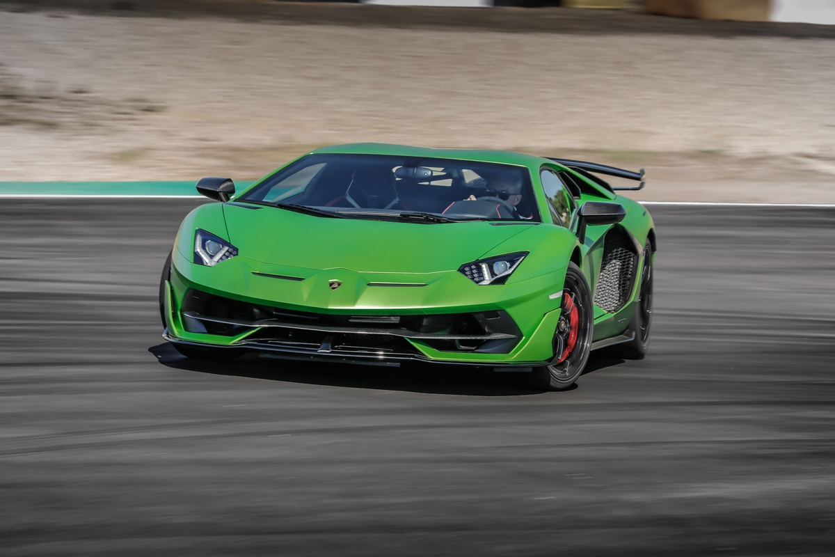 Lamborghini Aventador Svj Review V12 Power And Tech Turns In A Mighty Performance