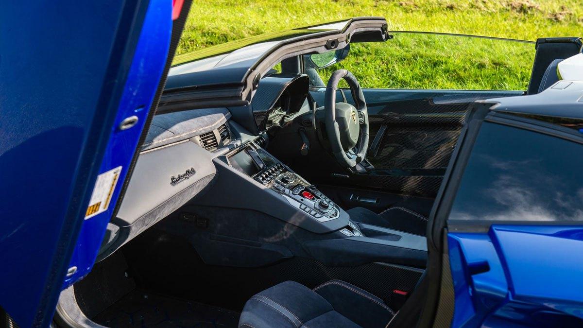 Lamborghini-Aventador-SVJ-Roadster-2020-14