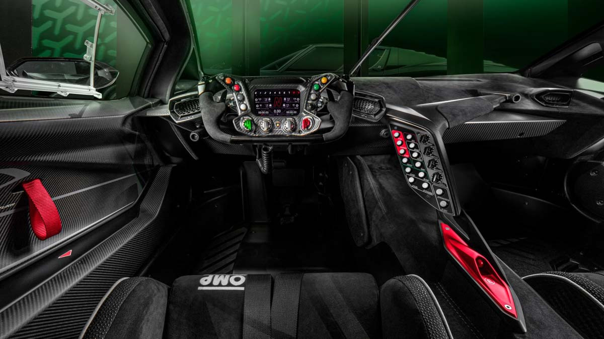 Lamborghini-Essenza-SCV12-revealed-3