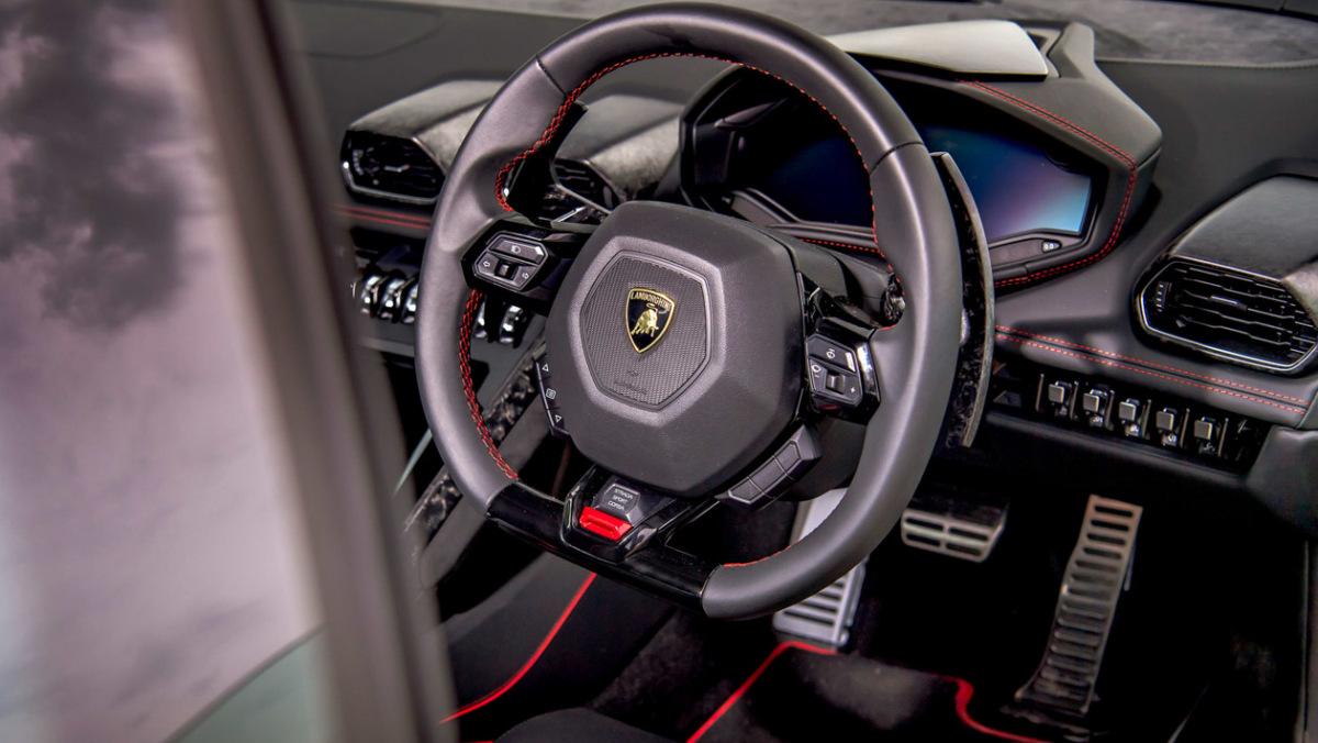 Lamborghini-Huracan-Evo-12
