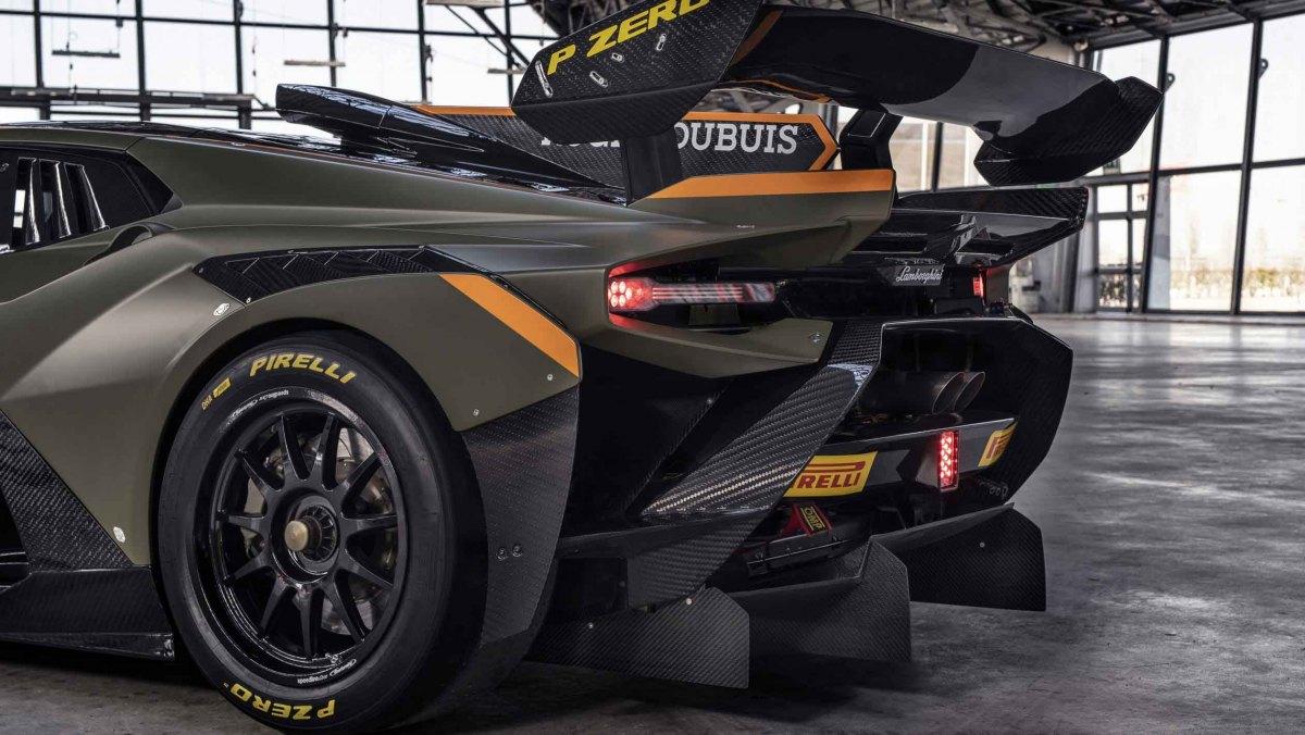 Lamborghini-Huracan-Super-Trofeo-Evo-2-racer-12